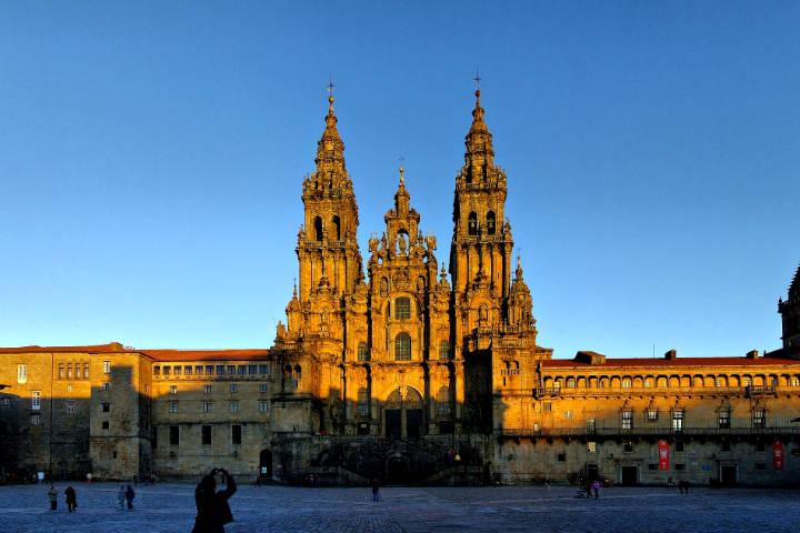 Transcantábrico gran lujo tren a medida Catedrál de Santiago de Compostela
